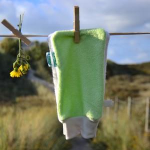 gant-demaquillant-vert-anis